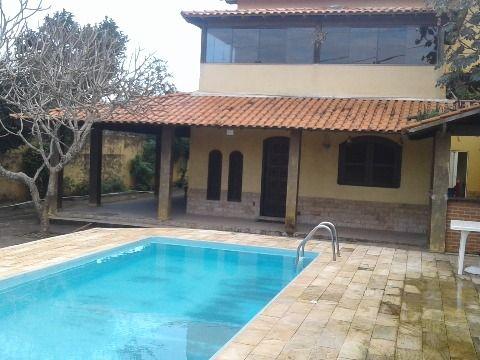 Excelente casa duplex 4Qtos 3suítes piscina, churrasqueira próx. a praia Itaipuaçu