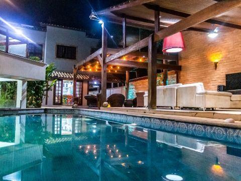 Casa 4Qtos 4suítes, piscina, churrasq, academia, no Recanto em Itaipuaçu