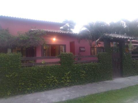Excelente Casa em Itaipuaçu,  Condomínio segurança 24 h, composta de   2 Quartos (sendo 1 suíte), Espaço Gourmet e Churrasqueira.