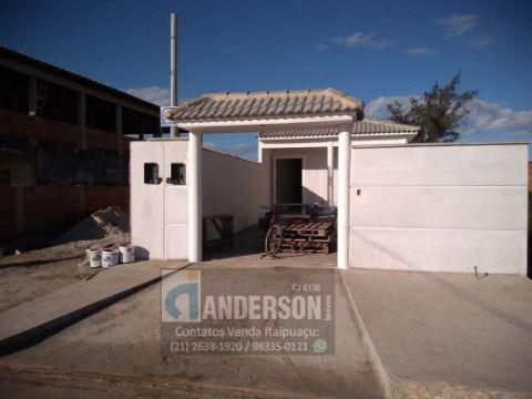 Excelente casa de 2 Qts, s/ duas Suítes, Prox. praia, Escola e P. de saúde da R. 83