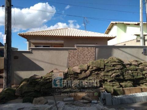 Linda casa de 2 Qts, Suíte e terreno de 540m², próximo ao Barroco.