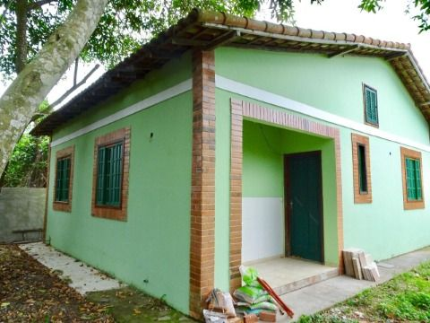 Casa 3Qtos próximo rua principal no Jd. Atlântico em Itaipuaçu