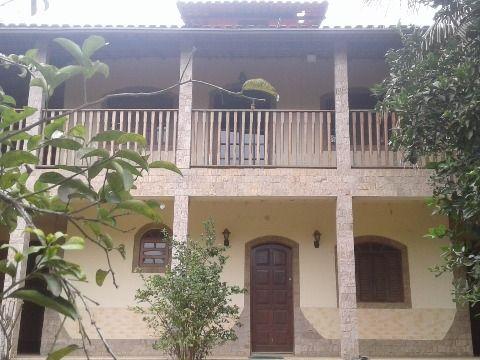 Casa duplex c/2 suítes, terreno 360m² próximo ao centro do Barroco Itaipuaçu
