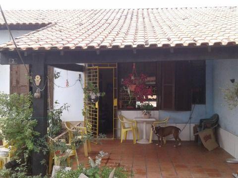 Casa 2 quartos próximo ao centro comercial do Barroco em Itaipuaçu.