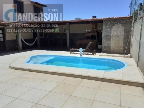 Casa com piscina no Jardim Atlântico