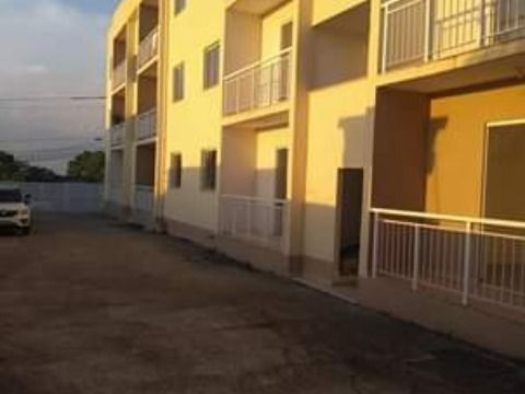 Excelente Apartamento em Vista Alegre c/ 2Qtos em ótima localização .