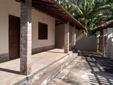Casa com 03 quartos na Reserva Verde