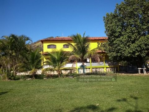 Sítio com 5000m² em Itaipuaçu com 5Qtos (2 suítes) com piscina prox. a estrada Cajueiros.