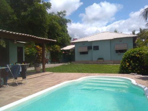 Excelente Casa  em Itaipuaçu c/ 2Qtos (sendo 1 suíte), Piscina, Área Gourmet, Condomínio Ampla Área de Laser.