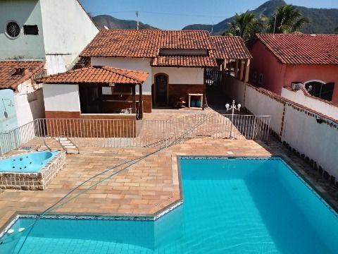 Excelente Casa em Itaipuaçu c/ 2Qtos (1 suíte), piscina, churrasqueira, sauna e hidromassagem.