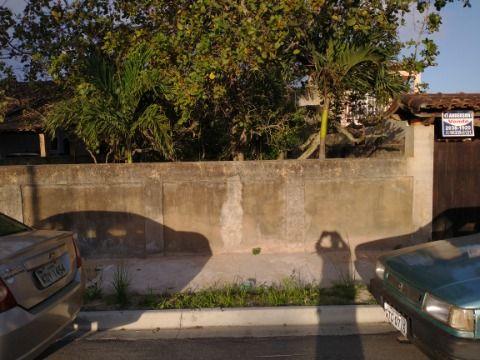 Terreno multifamiliar com 480m² murado e aterrado, rua asfaltada no São Bento Itaipuaçu