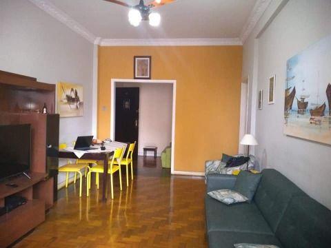 Amplo Apartamento em Icaraí, com 3 qtos(senso 1 suite), 1a quadra da praia.