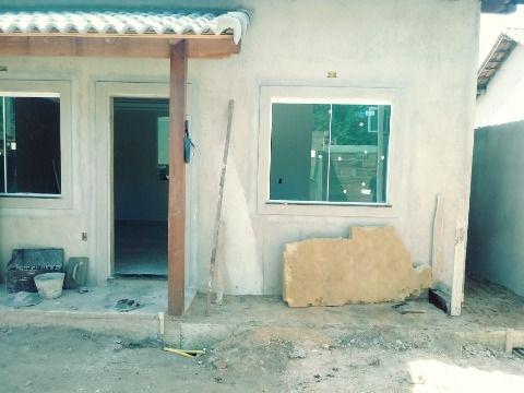 Excelente Casa em Itaipuaçu c/ 2Qtos (1 suíte) c/ churrasqueira e chuveirão.