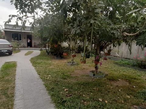 Casa grande c/ 2 quartos sendo 1 Suíte, Terreno de 360m²