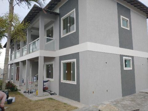 Apartamento no Jd. Atlântico com 2 Quartos c/sacada próximo a praia de Itaipuaçu.