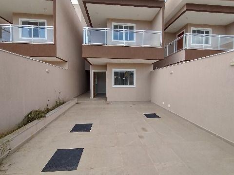 Excelente Casa Duplex c/ 3Qtos (3 suítes) c/ churrasqueira e chuveirão.