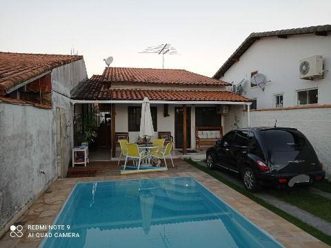 Excelente Casa em Itaipuaçu c/ 3Qtos (1 suíte) c/ área gourmet e piscina próx. a praia.