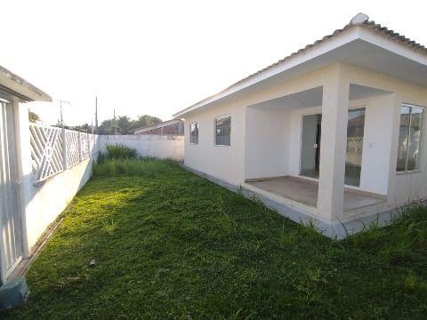 Excelente casa c/ 3Qtos (sendo 1 suíte) em cond. fechado, ampla área de lazer e segurança 24h.