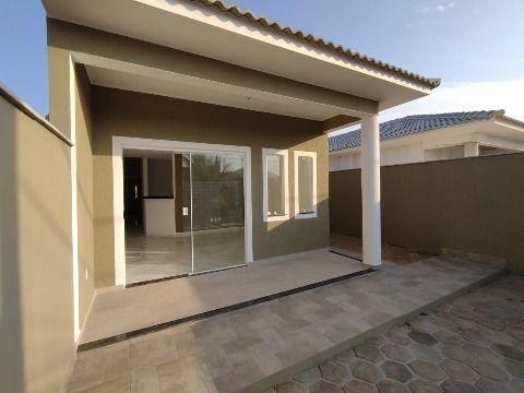 Excelente casa c/ 3Qtos (sendo 1suíte) c/ fino acabamento e chuveirão.