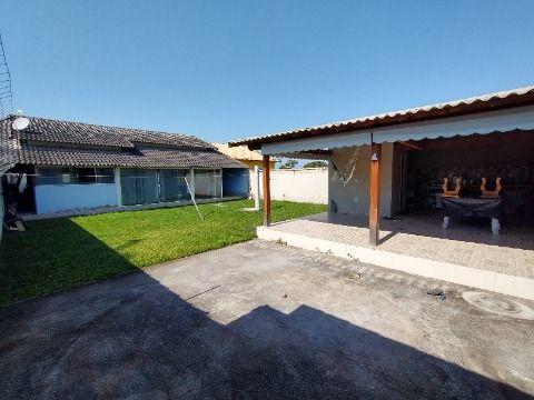 Ótima casa 2 Quartos (1 suíte) com churrasqueira em terreno 480m² no Jd. Atlântico