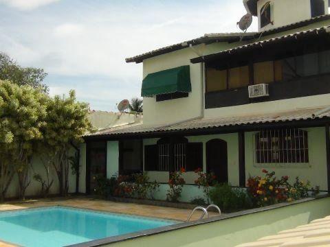 Casa com 5 qtos com piscina