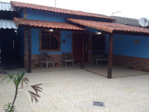 Casa com 2 quartos (1 suite), perto da praia.