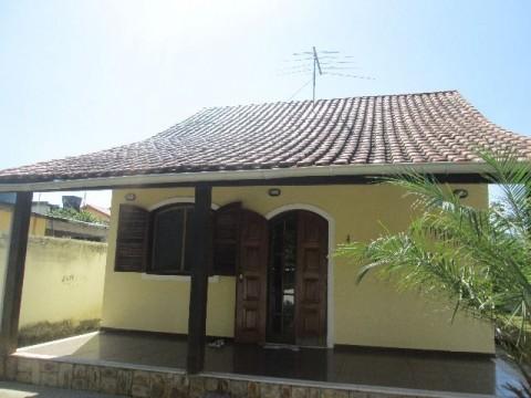 Ótima casa Centro Maricá