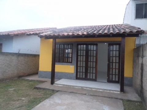 Casa 2Qtos quintal rua asfaltada próx. comércio  Itaipuaçu