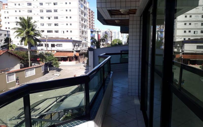 Apartamento de 1  dormitório, Guilhermina, 100mts Praia