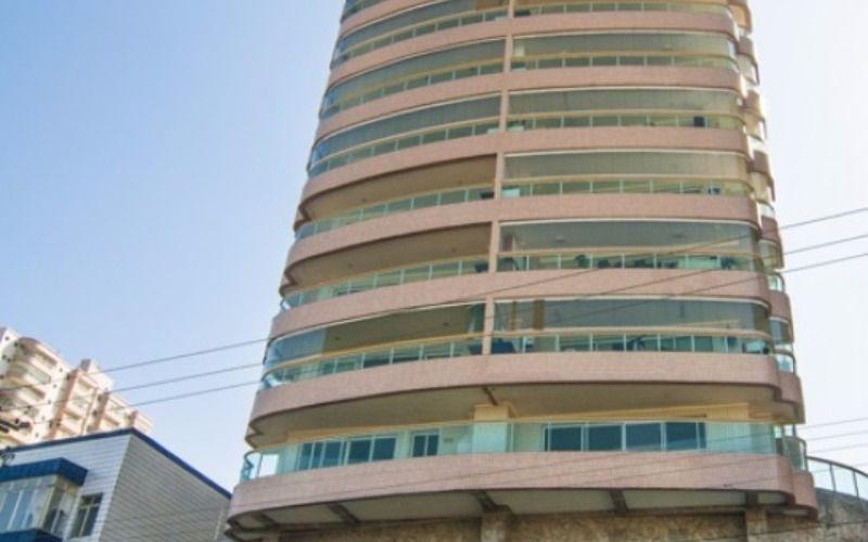 Apartamento em Praia Grande, prédio frente ao mar, lazer completo, 1 dormitório revertido para 2.