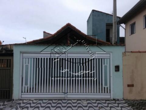 Casa linda no Solemar 02 dormitórios em Praia Grande!