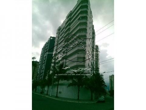 Apartamento 2 dormitórios no centro vila caiçara frente Mar!