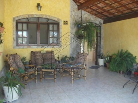 Casa 02 dormitórios no Jardim Real em Praia Grande!