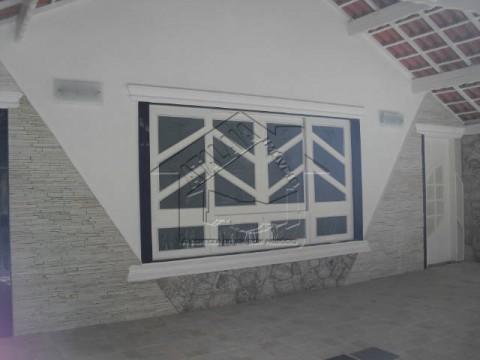 Casa 03 quartos 02 dormitórios no Caiçara em Praia Grande!