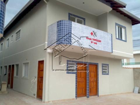 Casa nova em condomínio no Parque das Américas em Praia Grande