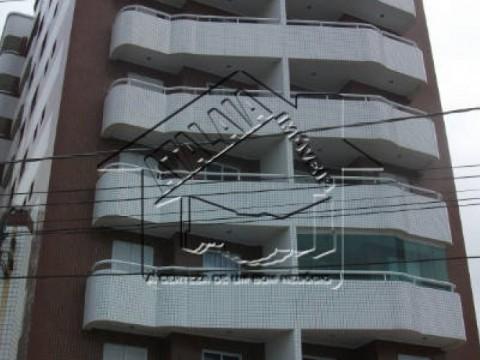 Apartamento 01 dormitório no Maracanã em Praia Grande