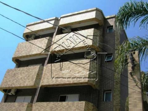 Apartamento no térreo com quintal no boqueirão Praia Grande
