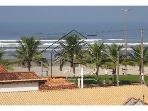 Apartamento de 02 dormitórios próximo a praia Jardim Real.