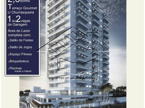 Apartamentos 02 e 03 dormitórios a uma quadra da praia!