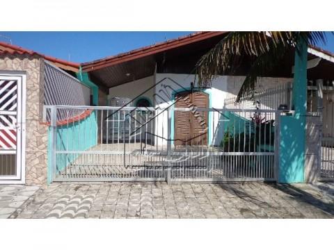 Casa dois dormitórios no Jd Imperador  em Praia Grande