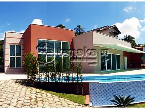Casa nova em loteamento fechado em Bom Jesus dos Perdões, projeto moderno.