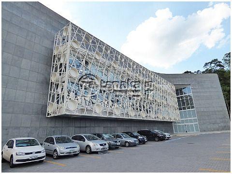 Andar inteiro para locação, prédio moderno na Rod. Fernão Dias