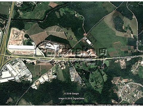 Terreno para industria ou comércio, as margens da Rod. Edgar Maximo Zambotto.