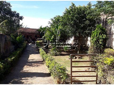 Edícula em terreno amplo, com ótima localização no bairro Jd. dos Pinheiros.