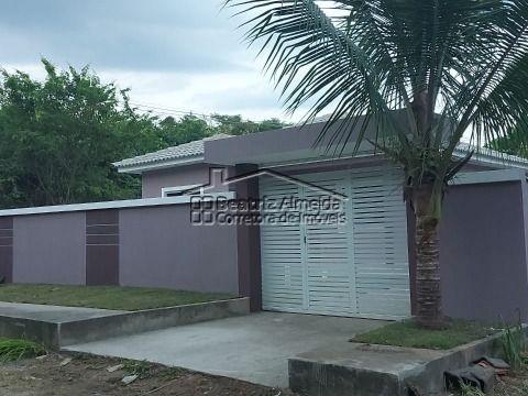 Casa de 3 qts (1 suite) no Cajueiros, Sala, cozinha, banheiro, garagem, quintal gramado