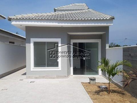 Linda casa de 2 qts (1 suite), sala com rebaixamento, banheiro social, garagem