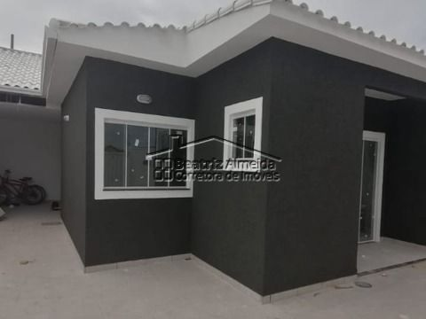 Casa de 2 qts (1 suite), sala, cozinha americana, banheiro, churrasqueira e quintal