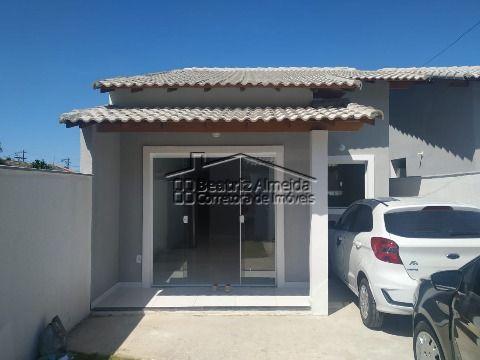 Casa na rua 27, 2 qts (1 suite), sala, cozinha americana planejada, quintal e garagem
