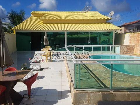 Casa de 3 qts (1 suite), piscina ampla, área gourmet, varanda fechada em blindex