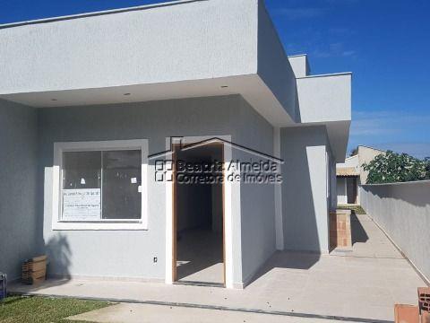 Casa 2 qts (1 suite), sala c/ rebaixamento, área gourmet, quintal, garagem